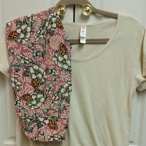 Lularoe Classic Tee and Leggings